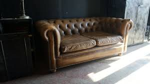 canapé chesterfield ancien canape chesterfield rosycabroc design industriel