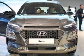 a look in and around the 2018 hyundai kona cnet page 26