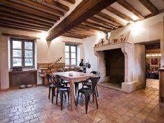renovation cuisine chene cuisine ouverte avec mur en brique tomettes et poutres blanches