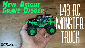 grave digger radio control monster truck monster jam grave digger 1 43 rc monster truck review youtube