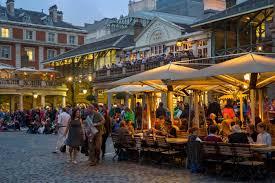 Urban Outfitter Covent Garden - los mejores mercados de londres donde comprar y ser feliz