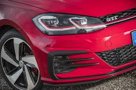 volkswagen tsi vs gti volkswagen golf 7 gti u0026 gtd 2017 first drive cars co za
