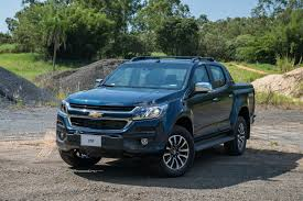 holden car truck 2017 holden colorado gets a very american facelift
