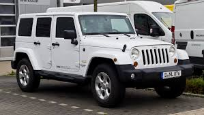 modified white jeep wrangler file jeep wrangler unlimited 2 8 crd sahara jk u2013 frontansicht
