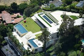 Bel Air Mansion Jay Z U0026 Beyonce Reportedly Put In 120 Million Bid For Bel Air Mansion
