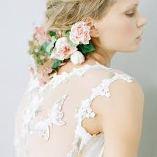bridal flowers for hair brides wear flowers in their hair wedding hairstyles makeup