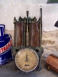 pompe essence vintage ancienne pompe à essence murale siam