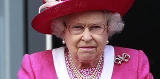 sexe femme de chambre l affaire du fou au pied du lit de la reine elizabeth ii slate fr