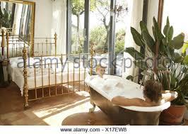chambre a coucher amoureux chambre à coucher salle de bain baignoire bon ensemble
