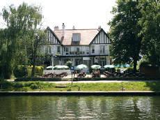 sunbury on thames hotels b u0026b u0027s guesthouses etc surrey