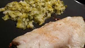 cuisiner poireaux poele filets de rascasse fondue de poireaux les gourmands disent