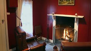 A Livingroom Hush by Lotus Lodges Hush Cottage And Charmed Cabin Accommodation Yarra