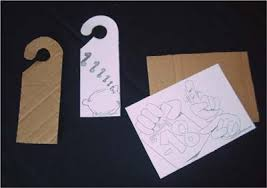 plaque pour porte de chambre activités manuelles panneau de porte pour ta chambre fr hellokids com
