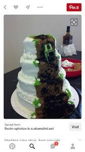 jeep logo cake jeep wedding cake white trash party jeep cake grooms cake