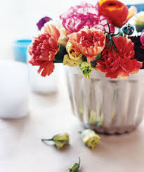 Floral Vases And Containers 20 5 Minute Centerpieces For Every Occasion Real Simple
