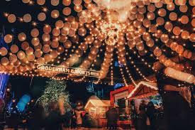 christmas light show toronto top things to do in toronto for the holidays tourism toronto