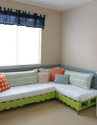 Diy Platform Bed 13 Diy Platform Bed Designs Kelly U0027s Diy Blog