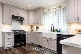 are light gray kitchen cabinets in style how to style vs light grey shaker cabinets best