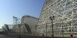 Six Flags Magic Mountain California Hours Twitter Users Capture The Fiery Destruction Of Six Flags U0027 Colossus