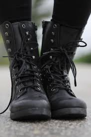 womens boots that feel like sneakers best 25 combat boots ideas on black boots shoes