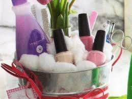 13 christmas gift basket ideas for women diy mothers day gift