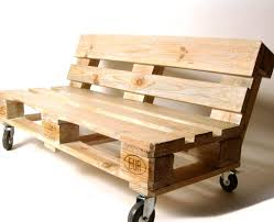 canapé en palette de bois le salon de jardin en palette en plus de 110 idées originales