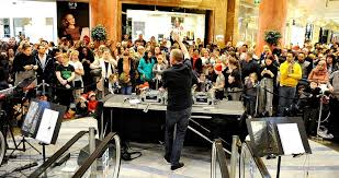 thousands turn out to enjoy christmas lights switch on at the intu