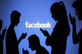 australia urges users to send pics to combat