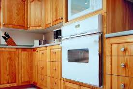 steam cleaning wooden kitchen cabinets how to clean grease stains kitchen cabinets