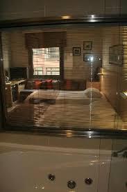 chambre baignoire balneo baignoire balnéo et vue sur la chambre photo de eresin taxim