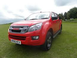 isuzu dmax interior the motoring world tmw the isuzu d max fury 2 5 twin turbo in
