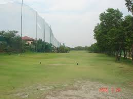 golf course the bald golfer this is hole 1 par 4 with the left over the fence as out of bounds ob and the right as one stroke penalty if the ball lands at the driving range