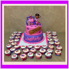 dr mcstuffins birthday cake and cupcakes cakecentral com