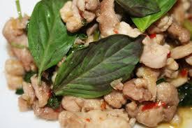 cuisiner le basilic la cuisine de bernard poulet au basilic thaï
