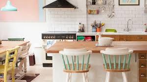 couleurs cuisine cuisine idées déco pour mettre de la couleur côté maison