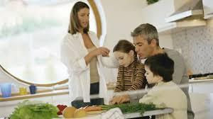 cuisiner avec ses enfants une cuisine à quatre mains avec ses enfants