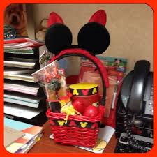 personalized mickey mouse easter basket 12 adorable mickey mouse easter basket diys with