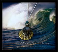 black shell necklace images Rare dark hawaiian moonrise shell tahitian black pearl sunrise gif