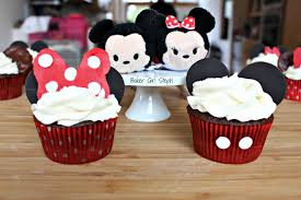 mickey mouse cupcakes how to make mickey mouse and minnie mouse cupcakes