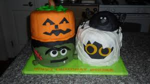 halloween themed birthday three sweet cakes halloween birthday cake