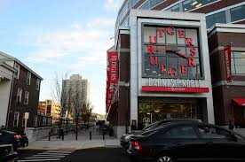 Barnes And Noble College Ave New Brunswick The New Rutgers Bookstore With Connection Between The Col U2026 Flickr