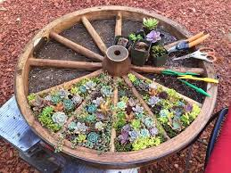 Diy Herb Garden Wagon Wheel Design Herb Garden Easy Diy Wagon Wheels Succulents