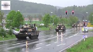 u s tanks u0026 howitzers passing through german town youtube