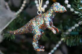 i d l e w i f e diy modcloth inspired dinosaur ornaments