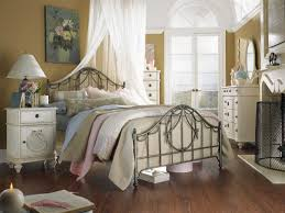 marvelous chic bedroom decoration using furry white feather