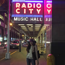 Radio City Ny Shows New York City Guide Favorite Shopping Restaurants And Shows