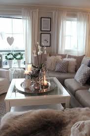 gemütliche wohnzimmer gemütliches kleines wohnzimmer mit weißen orchideen auf dem