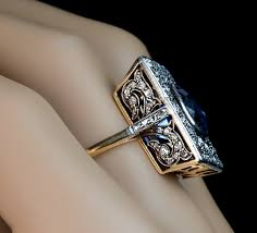 antique rings images Antique rings adorned by women bingefashion jpg