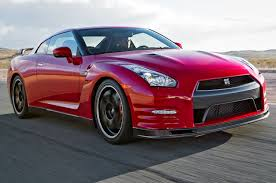 nissan gtr price in pakistan nissan wants to sell more gt rs pakwheels blog