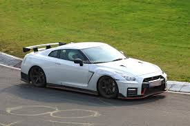 2018 Nissan Gt R Nismo Spied With Different Brakes And Camouflaged